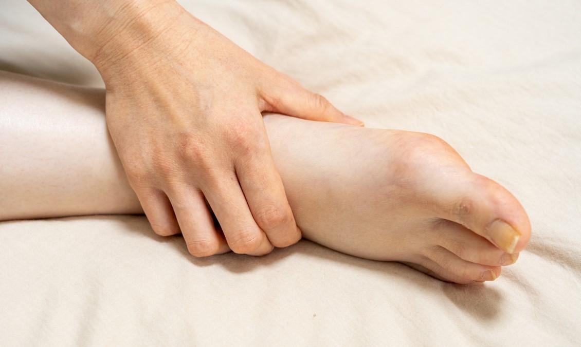 足首の施術法