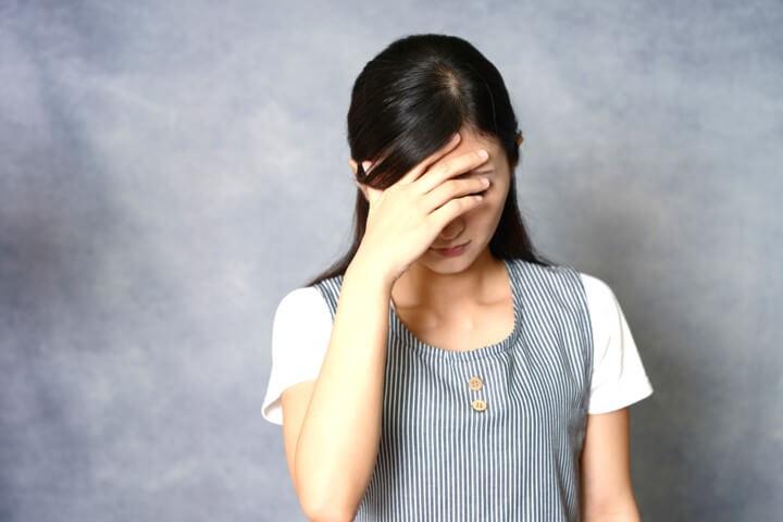 偏頭痛の原因と改善方法